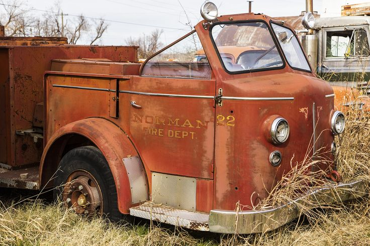 https://flic.kr/p/BEiSTb | Pumper No. 22 | Abandoned fire truck from the Norman Oklahoma Fire Dept. This fire truck is in Pocasset, Oklahoma.