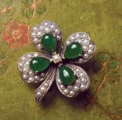 Four-leaf clover pendant & earrings: Jewelry Brooches, Jade Brooch Pendant