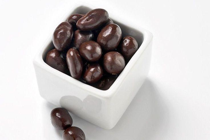 Easy Chocolate Covered Raisins