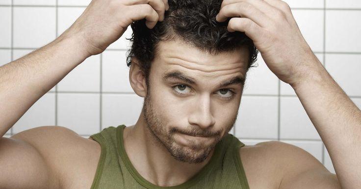 Cómo aliviar el dolor de cuero cabelludo. Es fácil que el dolor de cuero cabelludo te afecte. Al principio, sientes picazón algunas veces. Pronto, te encuentras intentando resistir la necesidad de rascarte en público. Haz desarrollado una forma de dermatitis debajo del cabello. Dependiendo de la causa, el cuero cabelludo dolorido puede empeorar progresivamente hasta que sientas como si te ...