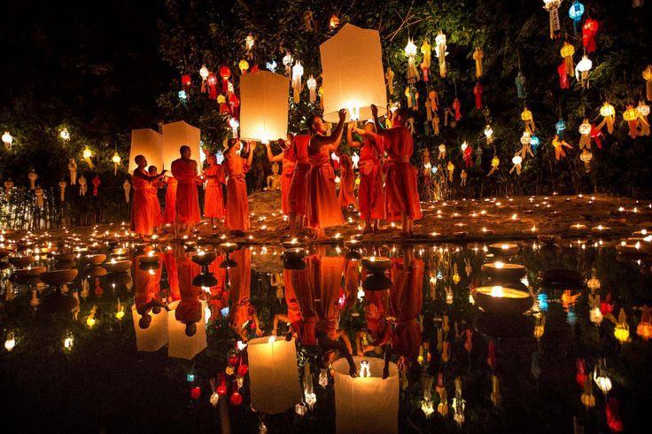 Loi Krathong & Yi Peng kicks off today for Thailand's Festival of Lights!