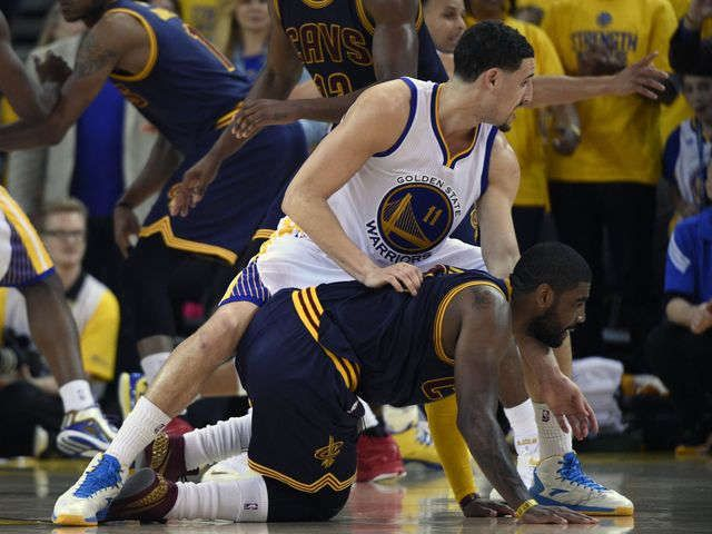 Kyrie Irving's injury was the result of a contact play, Cavaliers say via @USATODAY