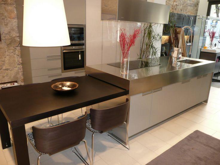 Las 25 mejores ideas sobre encimeras de mesa de trabajo - Mesa extraible cocina ...