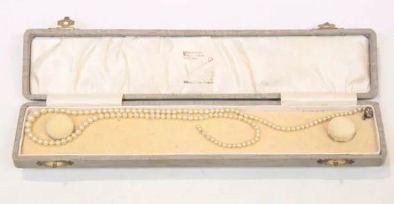 20 inch (early to mid century?) White Akoya Pearl Necklace (Dumbrell's Melbourne?)