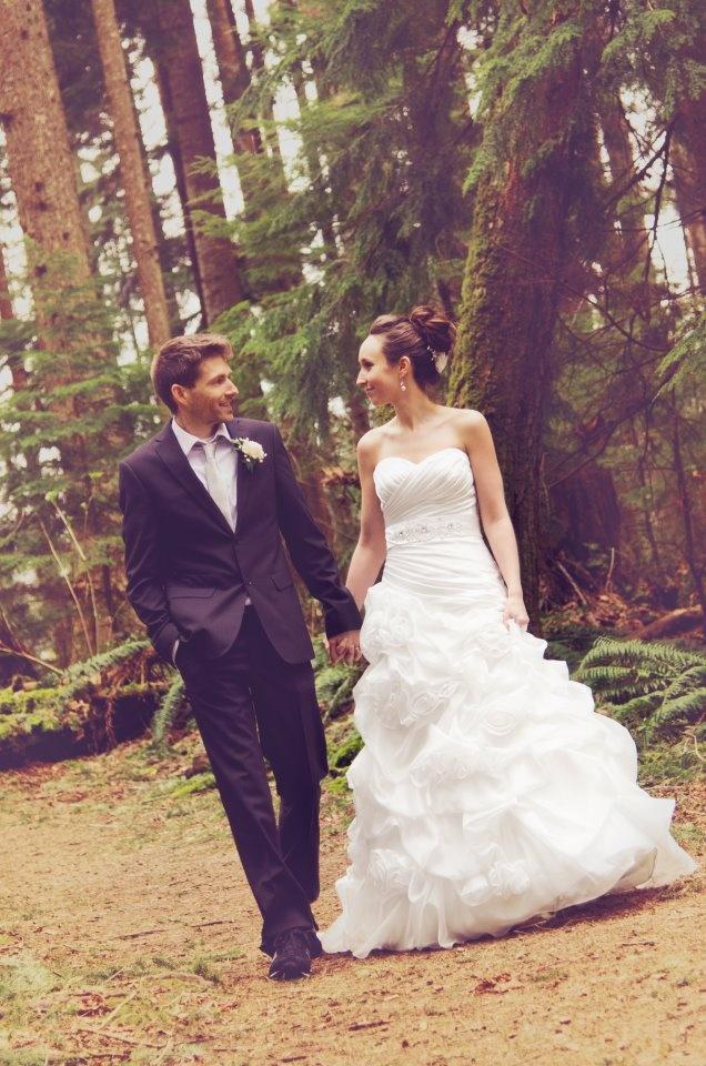 romantic walk: Romantic Walks, Girls Dreams, Beautiful Dresses,  Bridegroom