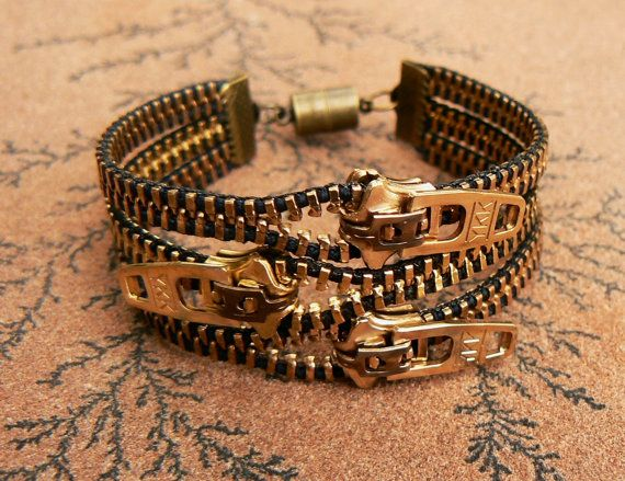 Uno Dos Tres Steampunk #Bracelet Zipper by PeteAndVeronicas #SteamPUNK ☮k☮