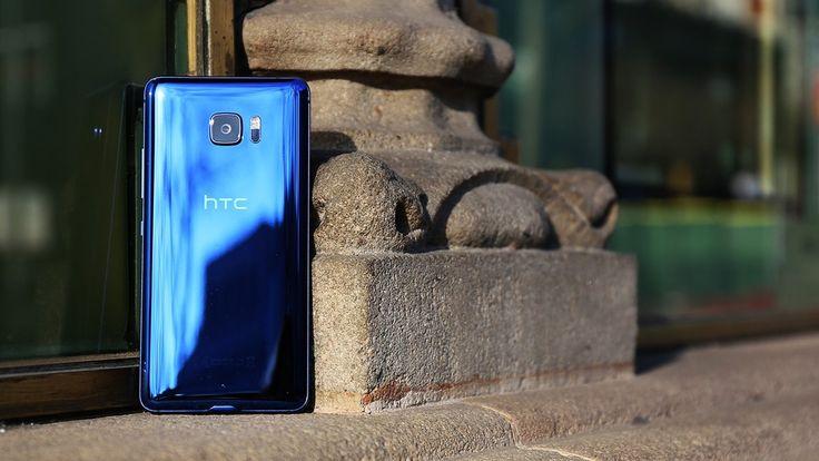A kék HTC U Ultra http://ahiramiszamit.blogspot.ro/2017/03/a-kek-htc-u-ultra.html