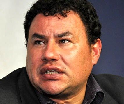 Ex Fiscal Isabelino Gómez guarda detención, y ¿qué es de Uribe? ¿El nombró y destinó a Santa Cruz? Guarda silencio, ¿espera que pase el vendaval?