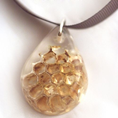 Honeycomb pendant | Real wax comb from an old beehive in res… | Kerry Foster | Flickr