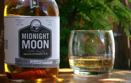 Midnight Moon Apple Pie Moonshine Mixed Drinks