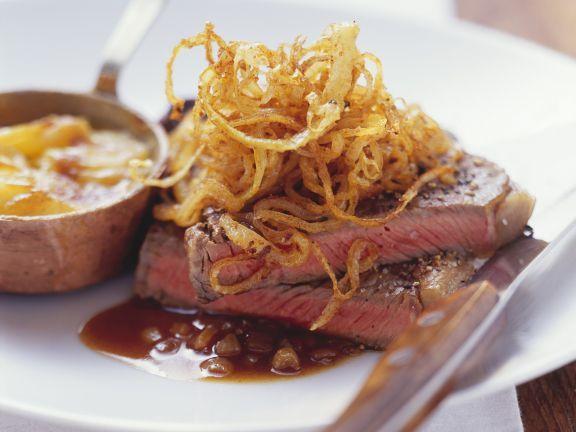 Zwiebelrostbraten mit Kartoffelauflauf ist ein Rezept mit frischen Zutaten aus der Kategorie Rind. Probieren Sie dieses und weitere Rezepte von EAT SMARTER!