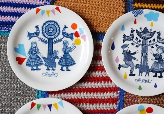 Set of 4 folklore and fun plates made to order by Ninainvorm, €110.00
