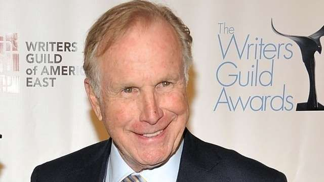 'MASH' Star Wayne Rogers Dies at 82 from complications of pneumonia on 12/31/15.