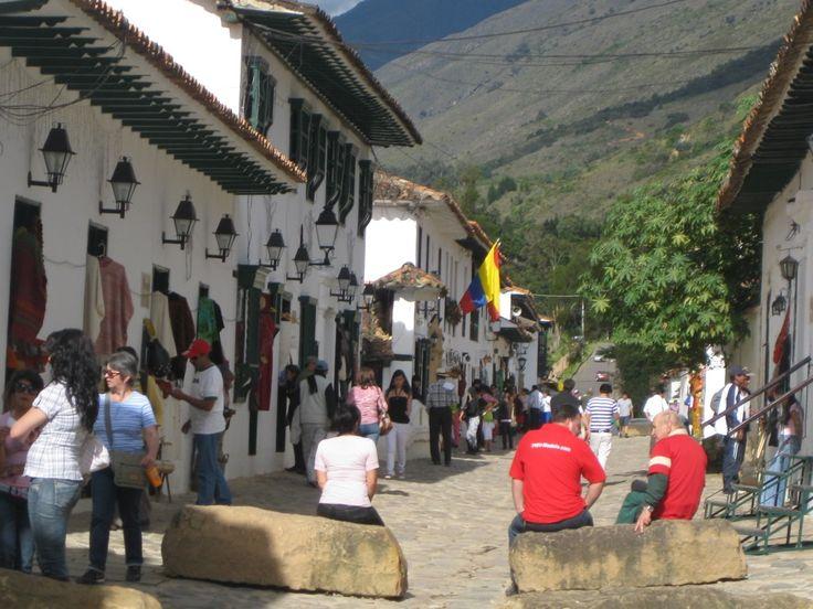 Villa de Leyva turistas disfrutando!!! @Dituristico #SomosTurismo