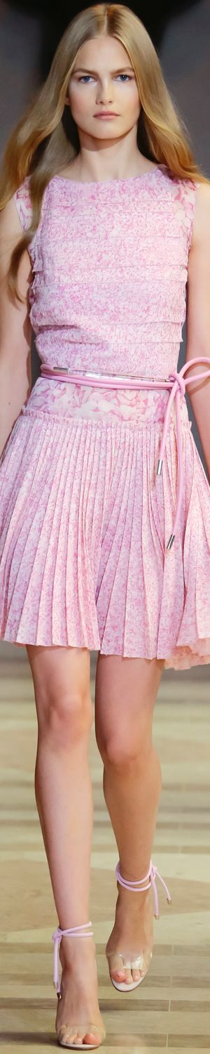 CAROLINA HERRERA SPRING 2016 RTW LOLO repinned Bella Donna's Luxury Designs