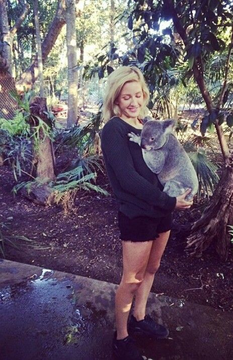 Ellie Goulding and a koala.. Two of my favorite things.