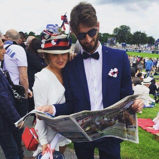 Giornata entusiasmante per noi modiste al Prix de Diane Longines! Grazie Beatrice per aver indossato così bene la mia creazione!  E la #hatsummer 2016 prosegue in allegria!  #hat #hats #hatsummer #pic #modisteria #fashion #style #hats #cappelli #horseracing #royalascot #racewear #racing #ontrackontrand #fashinable #igers #in #instamoment #instagrammers #instaitalia