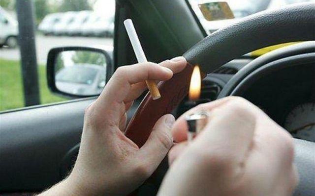 Vietato fumare mentre si guida: sta per passare la nuova legge, sanzioni shock #vietato #fumare #auto