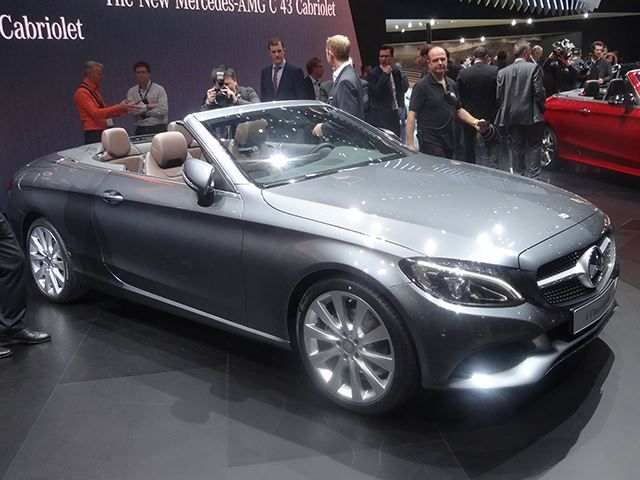 2016 Geneva Motor Show: Mercedes Presents The C43 Convertible The new Mercedes C43 Convertible, a new competitor to the Audi A5 and BMW 4 Series, has just been presented in Geneva. The C-Class cabrio features a diamond studded grille, 18-inch wheels, a retractable top that can be folded down in just 20 seconds and 4 different colors.  The interior remained...
