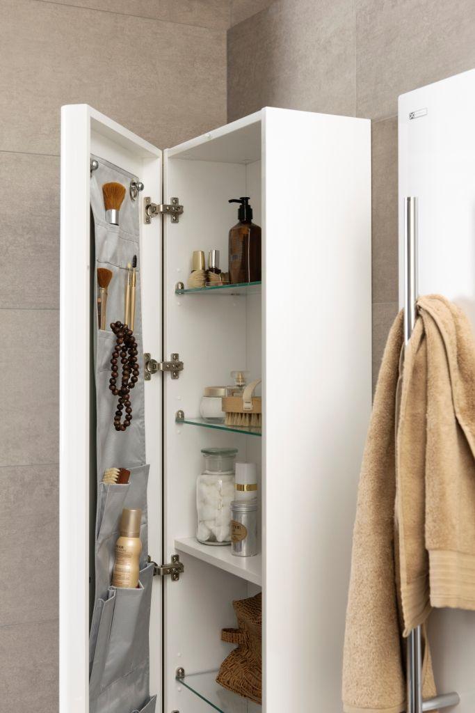 Extra opbergruimte in uw badkamer met een hoge badkamerkast