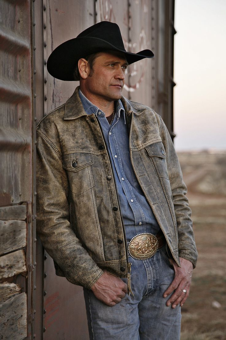 """From Pro Rodeo World Champion to devoted family man, Stran Smith is a truly authentic cowboy. That is why NRS is a huge supporter of Stran and his family, as well as the cowboy hat brand he represents. NRS carries many STS Ranchwear products and Resistol Hats - the """"Official Cowboy Hat of the NRS Training Center"""""""