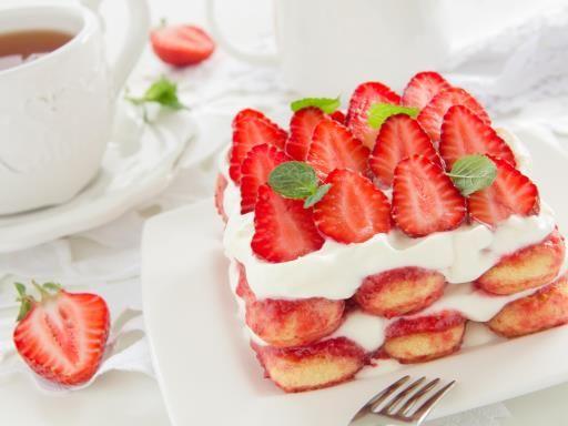 Recette de Tiramisu aux fraises façon mille-feuille