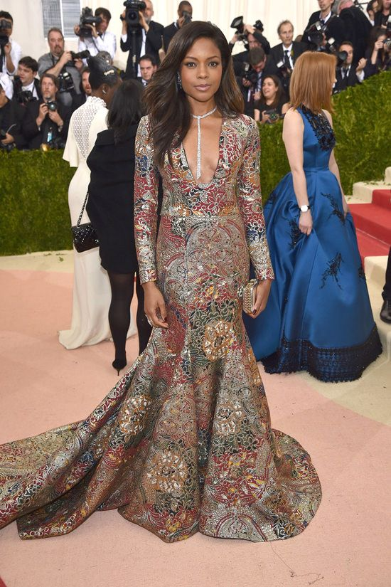 Stunning. The fabric looks like washi paper, and for me that's a plus. [Naomie-Harris-Met-Gala-2016-Red-Carpet-Fashion-Burberry-Tom-Lorenzo-Site (2)]