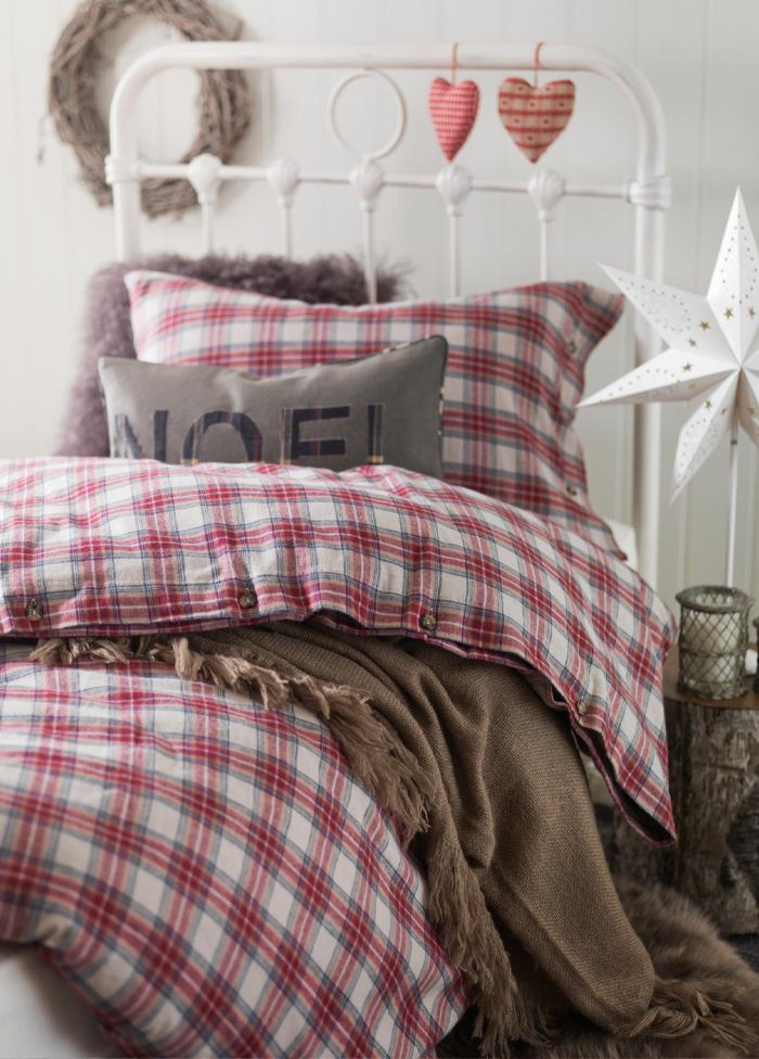 love the red/light brown combo - not loving the folksy feel of the accents though