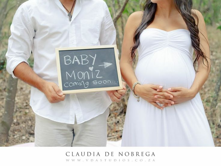 pregnancy photography with trendy chalk board