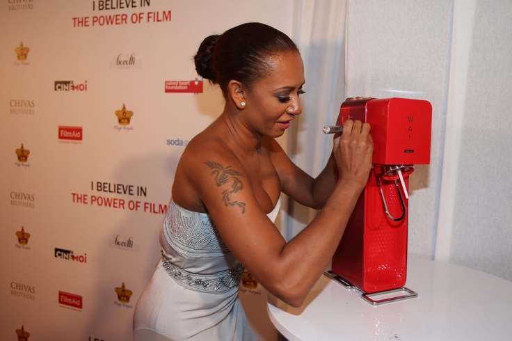 Spice Girl Mel B signed a SodaStream Source for charity at #Cannes2013! Thanks Mel!
