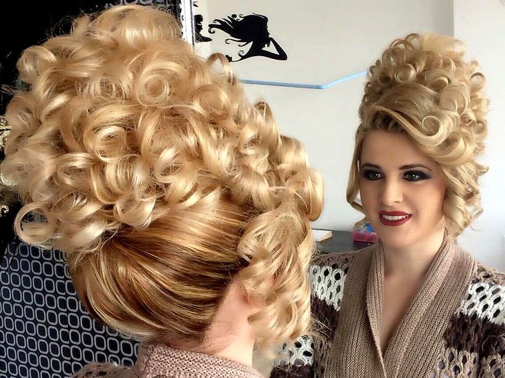 Wow, pretty!  Once I have my extensions may I please wear this to the New Years party?