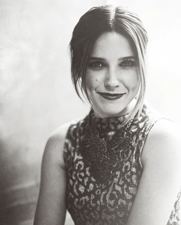 Sophia Bush - I want to look like this woman.