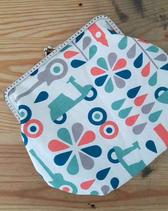 Clasp clutch in organic cotton by HappyInRed