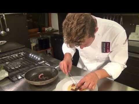 Crema soffice di patate, polipo arrosto e pancetta croccante - YouTube