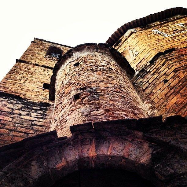 Hidden tower in #Talarn #PallarsJussà #Catalunya Torre amagada a #Talarn #poblets #smallvillages