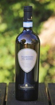 Falanghina Vigne Sannite , in vendita su @SOS Vino Srl a 8.50 euro , all'esame olfativo, fruttato con prevalenza di mela matura e note delicate di miele di acacia.All palato e' caldo e abbastanza fresco. http://www.sosvino.com/ita/vini/bianchi/falanghina-vigne-sannite.asp