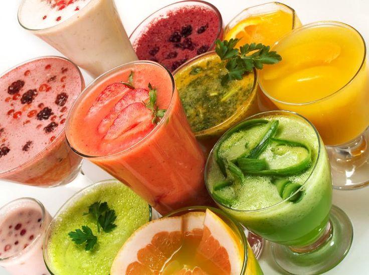 Succhi, centrifugati, frullati e smoothies:spuntino salutare, gustoso, colorato;l'ideale per arricchirci di vitamine, sali minerali e antiossidanti