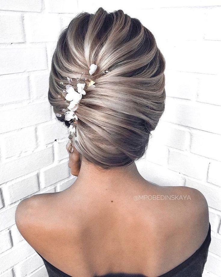Wunderschöne Hochzeitsfrisuren für die elegante Braut Hochsteckfrisuren für die Braut #wedd ... #braut #elegante #hochsteckfrisuren