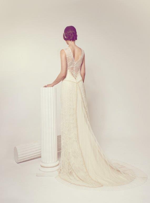 www.jorgeaparisi.com vestido novia vintage  espaldas que enamoran  jose maria peiro novias