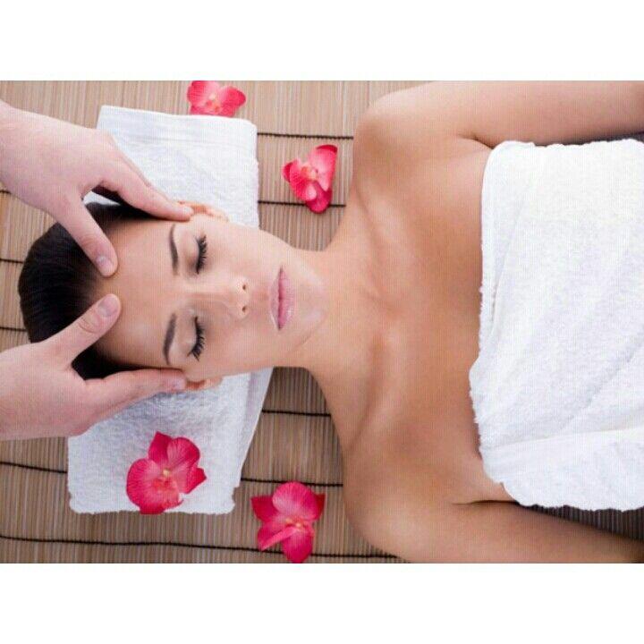 SPLEND - Cabelo, Estética e Maquiagem ☆ Rua 61, Nº114, Jardim Goiás ☆ (62) 3626-6660 Aproveito desse dia chuvoso e relaxa-se com uma massagem na  SPLEND