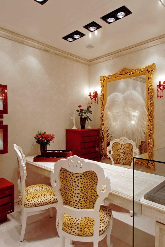 Galerie Drachenfels Calwerstr.23 70173 Stuttgart +49 711 27368073 info@drachenfels-shop.de