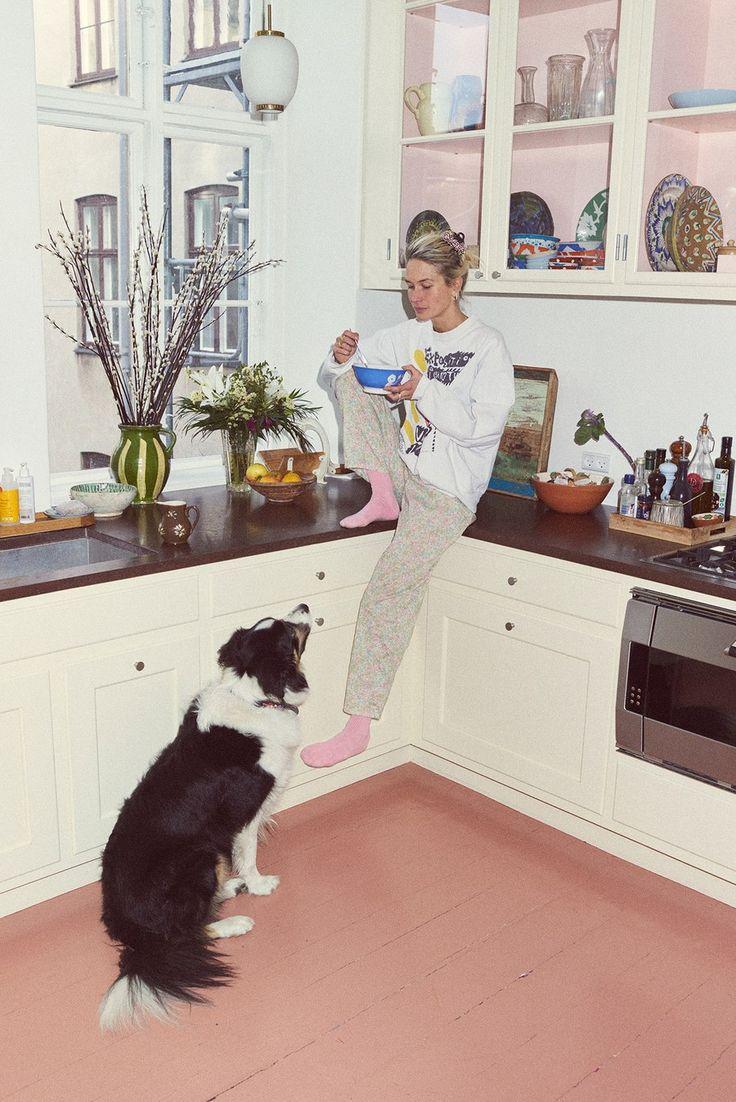 Inside Model and Filmmaker Emma Leth's Art- and Fashion-Filled Home in Copenhagen Küchen Design, House Design, Interior Decorating, Interior Design, Copenhagen, Interior Inspiration, Decoration, Home Kitchens, Interior And Exterior