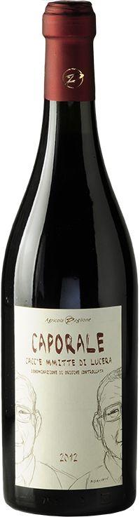 Caporale ė un vino biologico, ottenuto dall'uvaggio di tre vitigni che ben sottolineano le caratteristiche del territorio: Uva di Troia, Sangiovese e Bombi