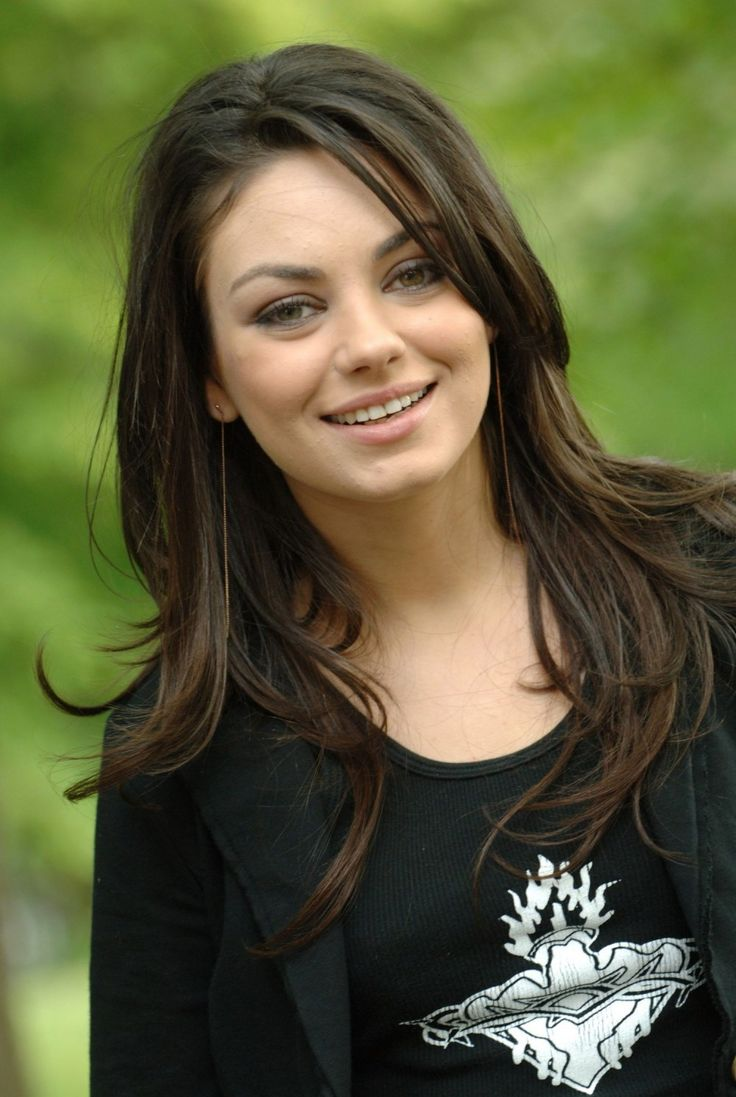 die besten 25 mila kunis ideen auf pinterest. Black Bedroom Furniture Sets. Home Design Ideas