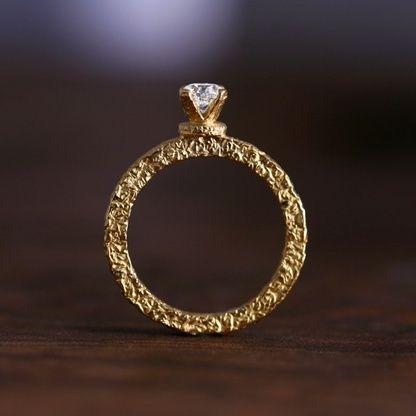 """英語で""""噛む/CHEW""""を意味し「ふたりで愛を噛みしめる」がコンセプトのチューリング♡ *エンゲージリング 婚約指輪・オーダーメイドまとめ一覧*"""
