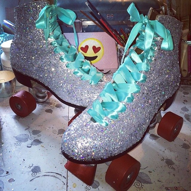 I NEED these glitter roller skates in my life. {from Instagram account charziie}