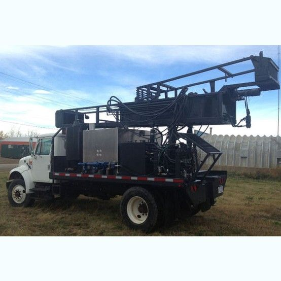 Geothermal Drilling Rig.  1995 International.  DT466 engine with auxiliary transmission (power tower).  Running 4 stage commercial hydraulic pump.     Hillview drill unit.  STAFFA...