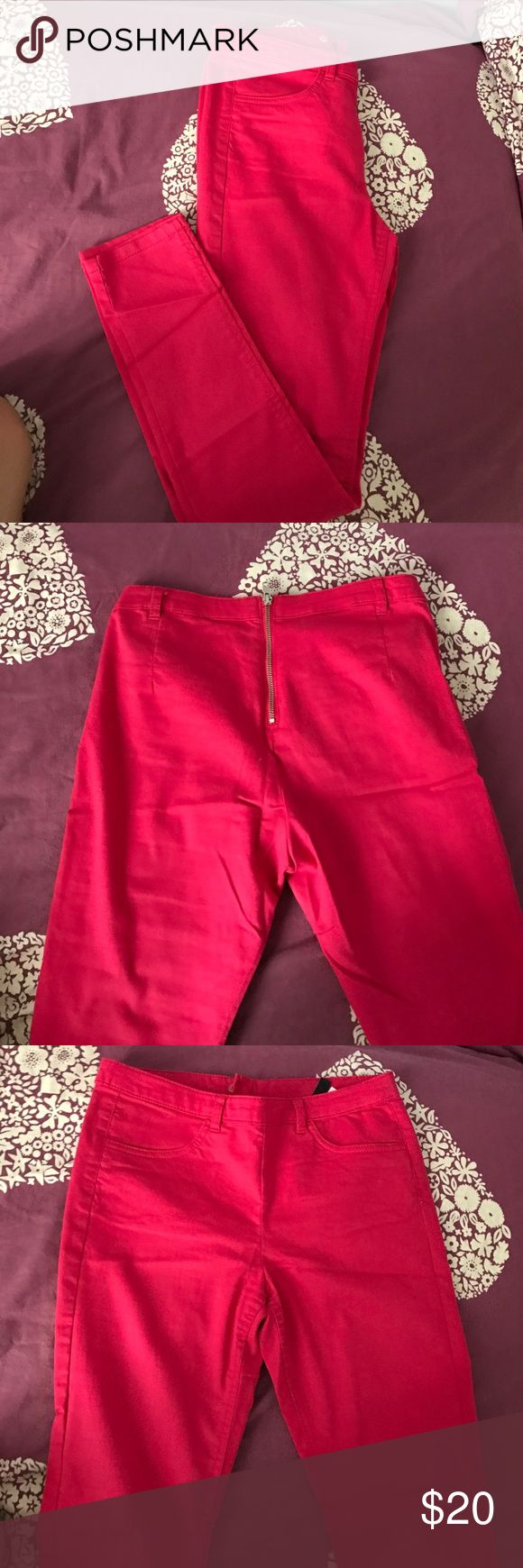 Hot pink pants from h&m Hot pink I wore these once! So they are in great condition! Pockets in front with none on back and zipper in the back H&M Pants Skinny
