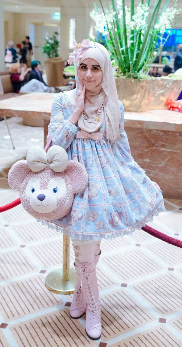 Muslim girls adapt Japanese Lolita look to suit more modest tastes, i think this is very creative and very cool! http://www.boredpanda.com/muslim-lolita-hijab-japanese-fashion-anime/