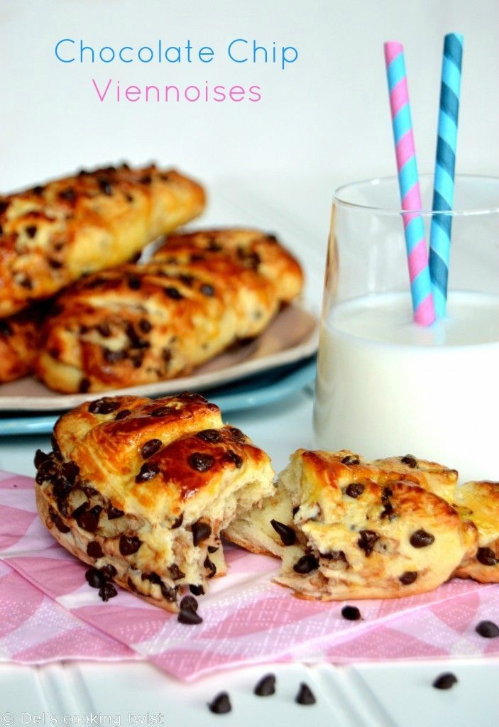 12 Back-to-School Recipes for your Kids. These classic French viennoises packed with chocolate chips are a classic for breakfast in France. A very easy and kid friendly recipe! | Del's cooking twist